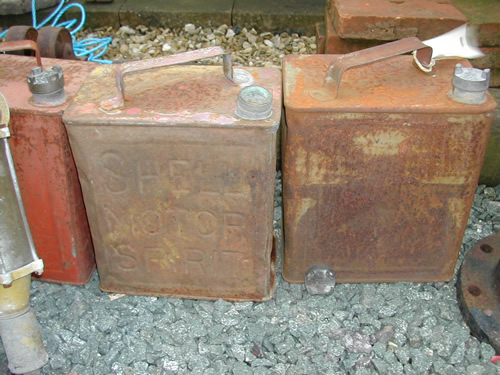 bensreckyard ebay photo Old petrol cans 3
