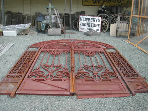 bensreckyard ebay photo Huge red wrought iron gates 11