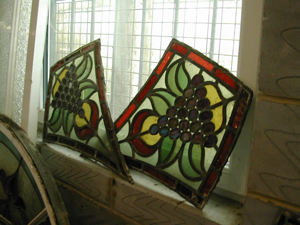 bensreckyard ebay photo Pair of Stained glass windows 009 1